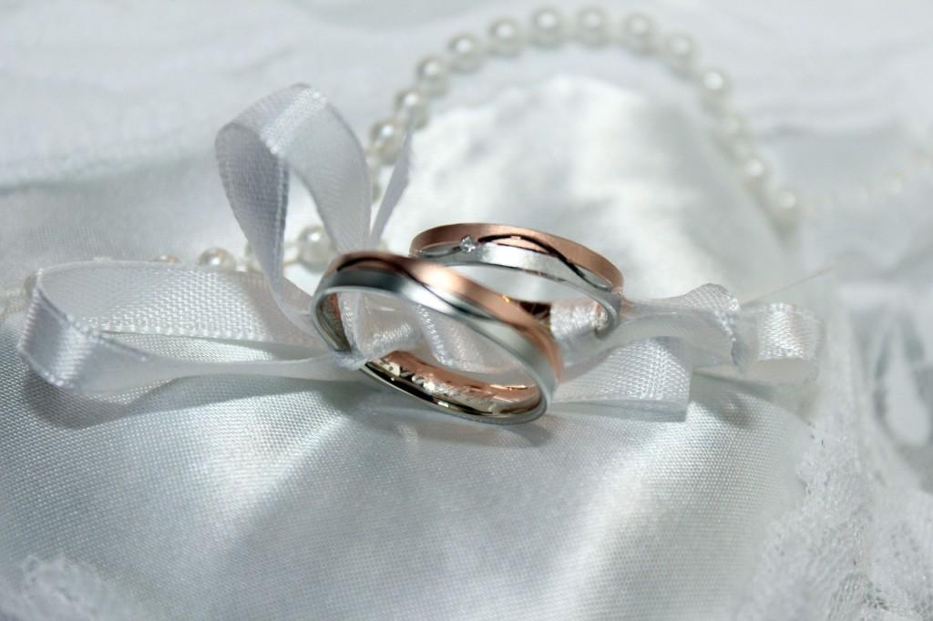 wedding-ring-743741_1280